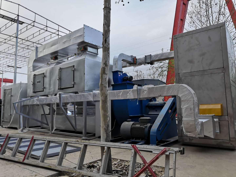 我公司不锈钢喷漆房废气治理催化燃烧设备发往河北邢台