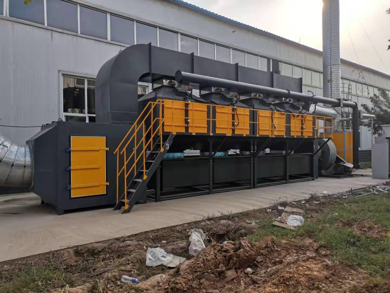 家具厂喷漆废气治理6万风量催化燃烧装置